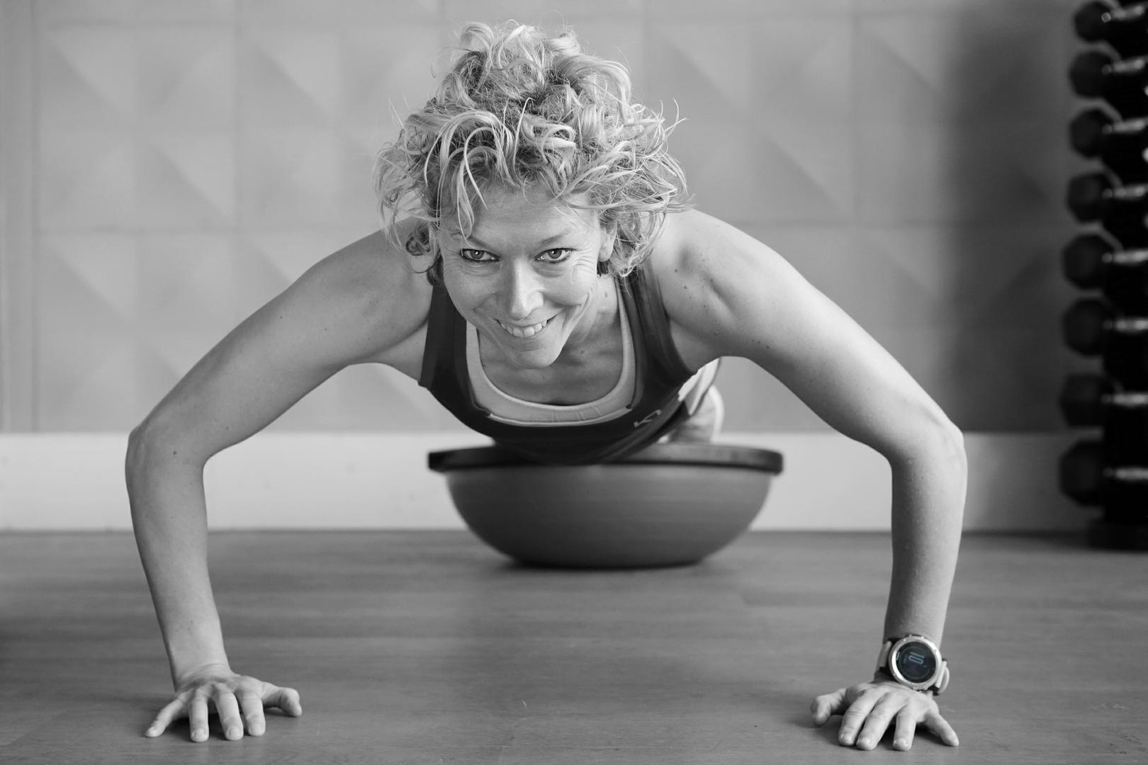 groepstraining_dames_training_fitness_health_body_bodybulding_arnold_club_landgraaf_landgraaf_triggerz_roy_google_heerlen_geleen_sporten
